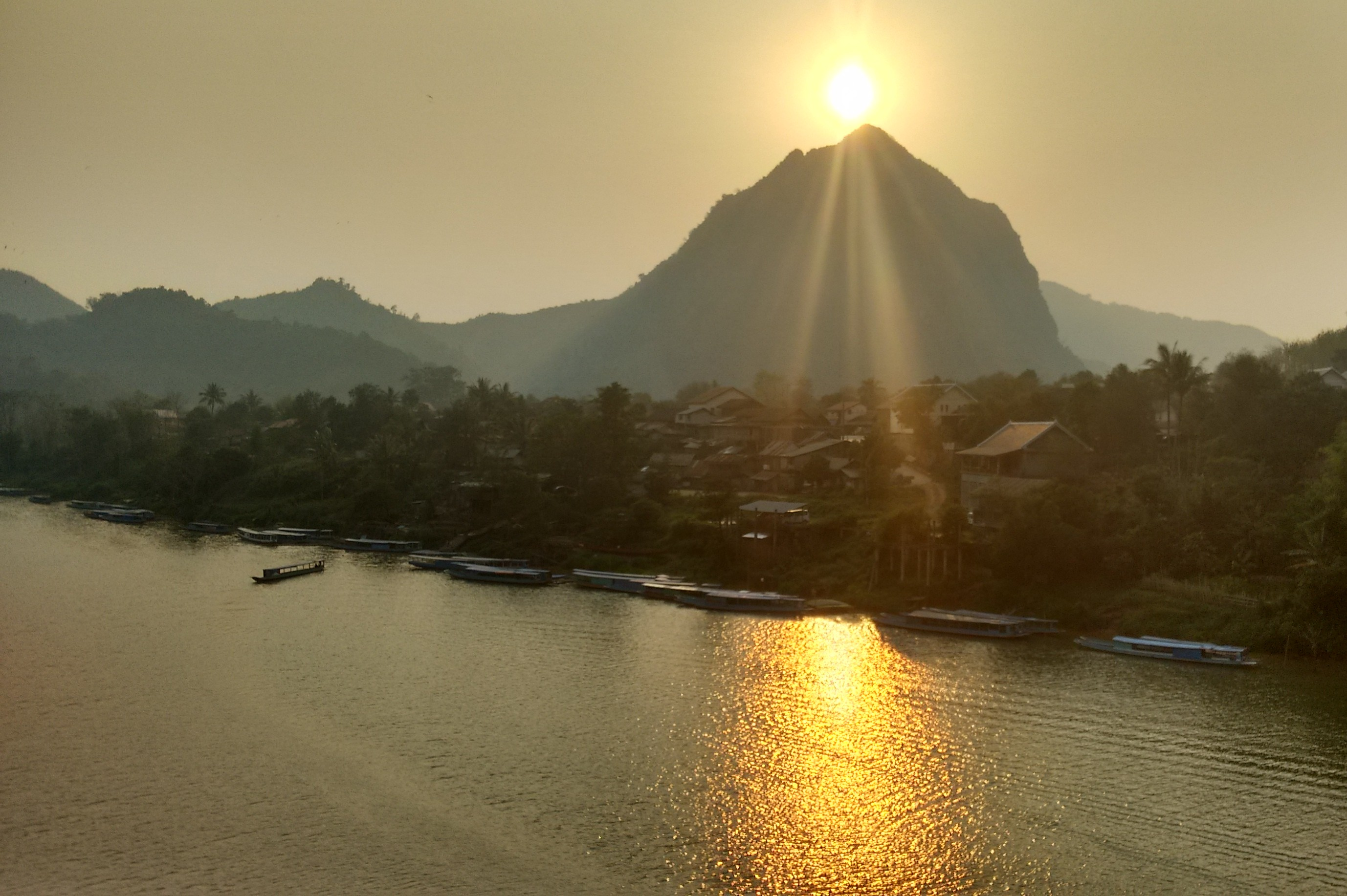 A beautiful golden sunset on the Nam Ou river
